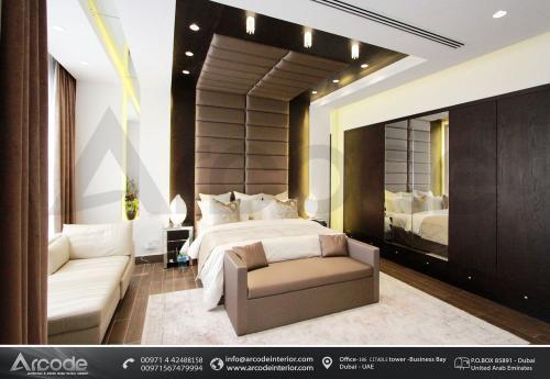 غرفة نوم رئيسية بتصميم معاصر